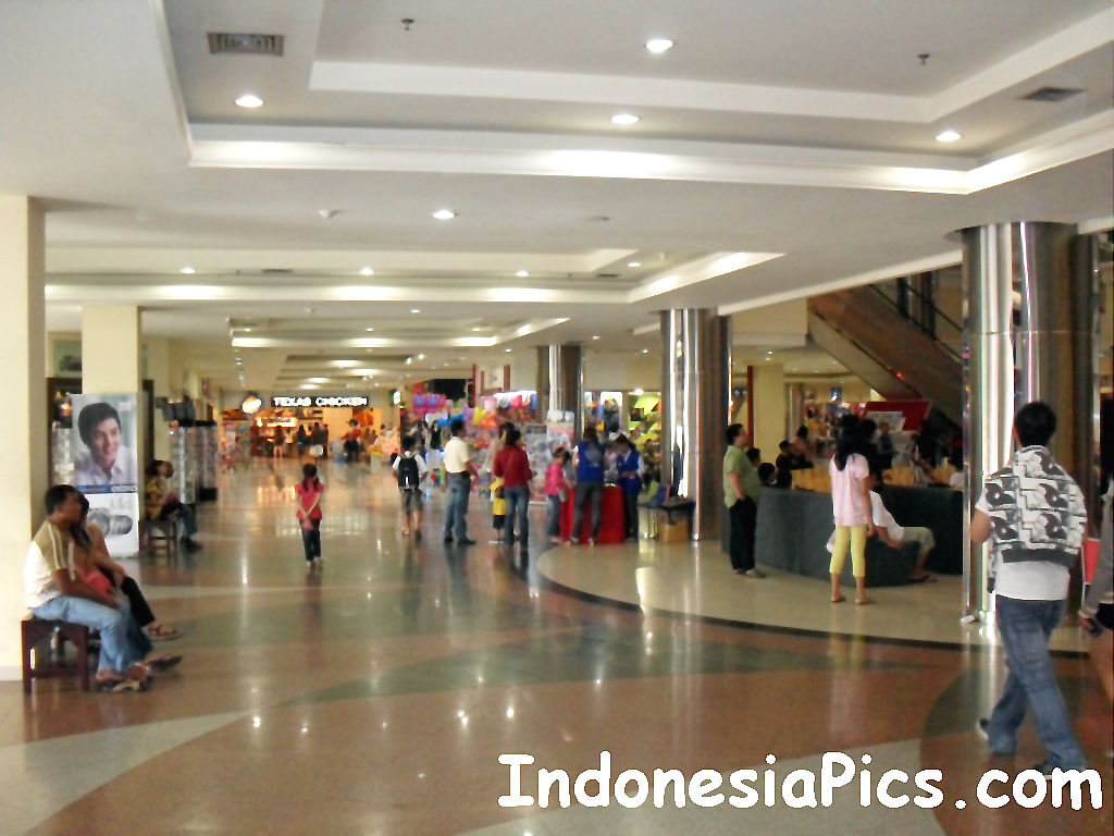 For more information on shopping malls in Batam and Indonesia, visit